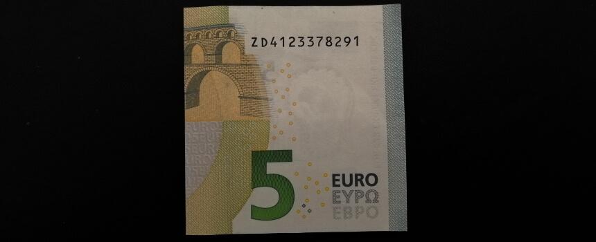 halbierter 5-Euro-Schein