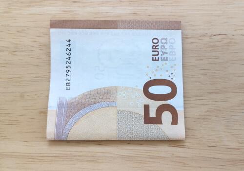 Geldschein falten - Schritt 1