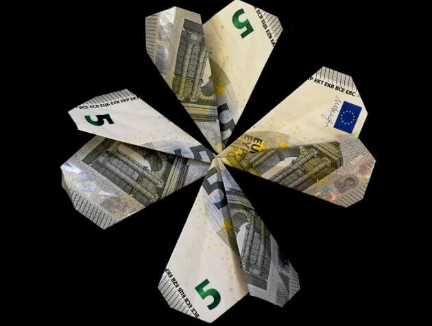 Geldscheine zum Glücksklee falten